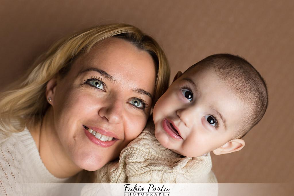Francesco e la sua mamma Servizio Bebè Fotografo bambini neonati Modena, Reggio Emilia, Parma, Bologna